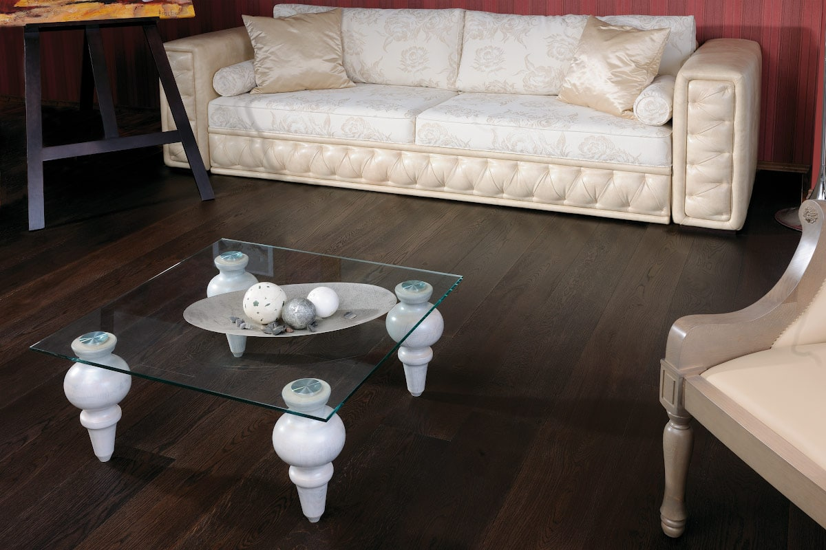 london european oak floor in a decorated living room
